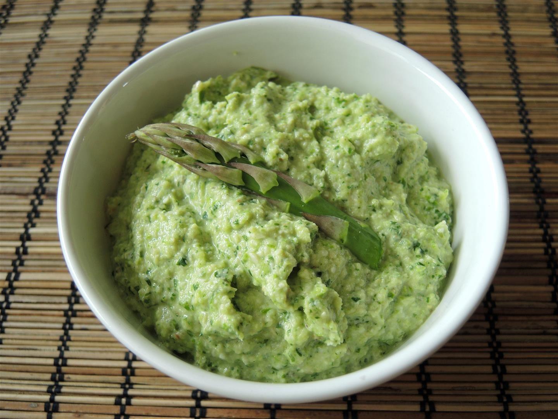 Grüner-Spargel-Pesto (2)