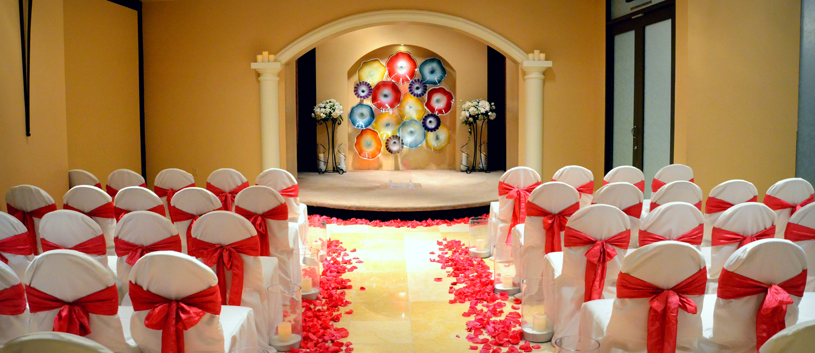 Pink Wedding Décor Prink Rose Petals The Chapel At Planet Hollywood Las Vegas Weddings Https