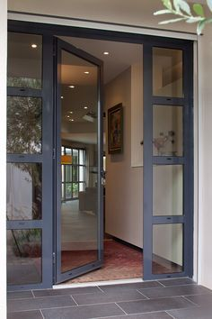 Porte d 39 entr e en aluminium kanada kawneer france - Porte vitree acoustique ...