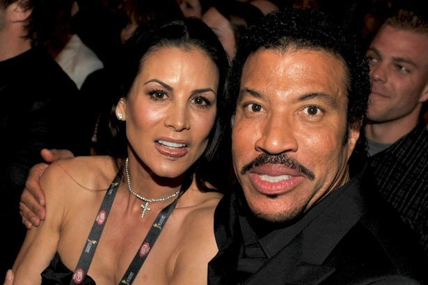 Lionel Richie Net Worth How Rich Is Nicole Richie S Father