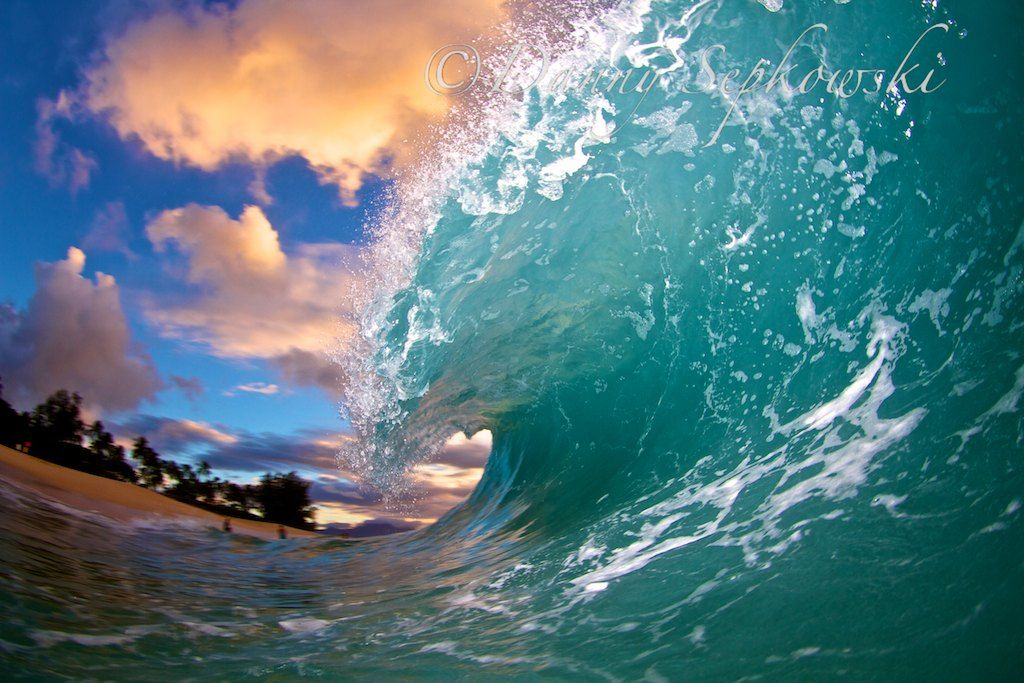 This Hawaii wave will look great on any wall. Photo Danny Sepkowski email dsphotoshawaii@gmail.com