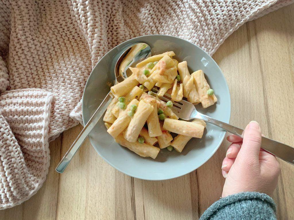 Rigatoni mit veganer Erbsen Sahne Sauce - Mini.Me.