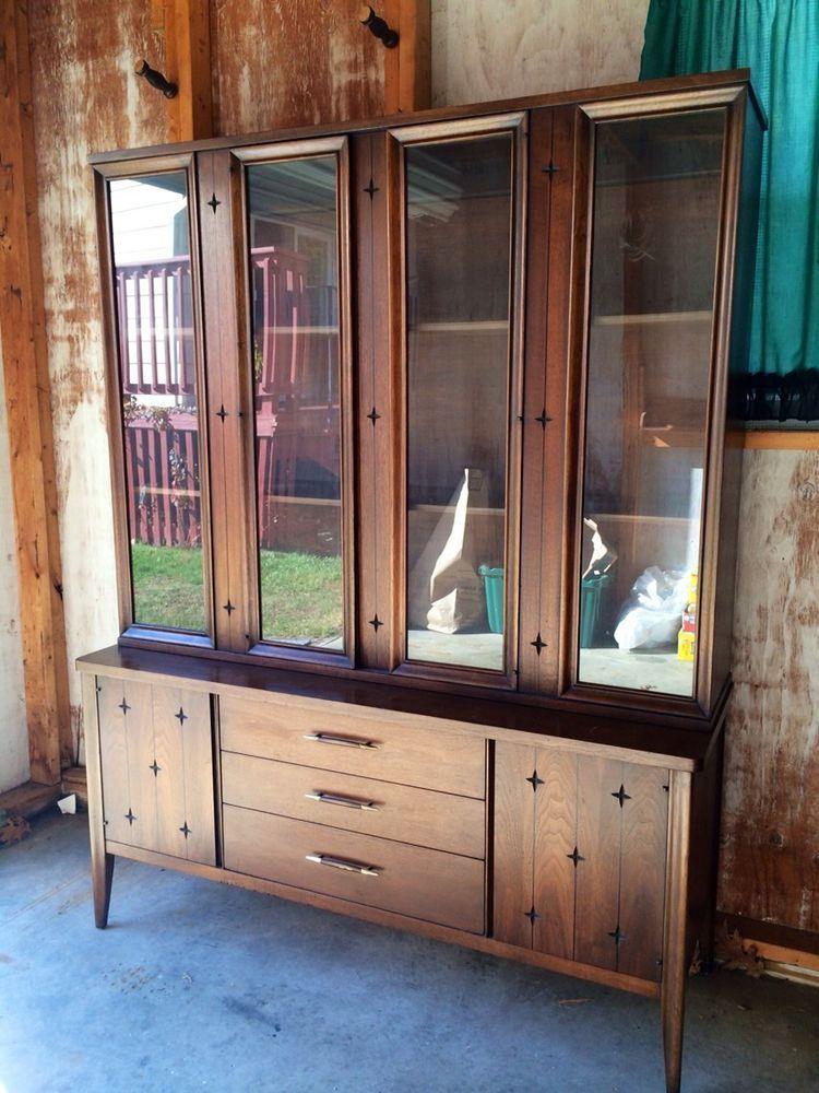 Mid Century Modern Broyhill Saga Walnut China Cabinet Credenza Retro Broyhillfurniture