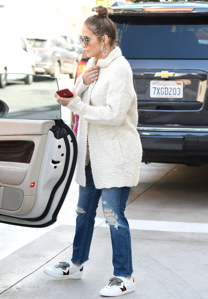 81ab4a6090c J.Lo Wore the Sneakers Every Fashion Girl Is Obsessed With