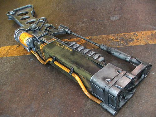 aer14 prototype laser rifle right side by jaycosplay on