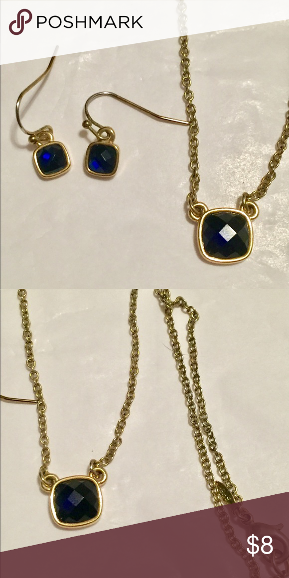 Avon necklace and earrings set blue gold Great condition Avon