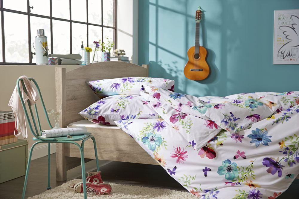 rein ins blumenmeer perkal bettw sche aus reiner baumwolle f r 34 95 bei tchibo. Black Bedroom Furniture Sets. Home Design Ideas