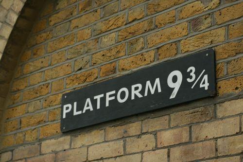 Platform 9 3 4 Magical World Of Harry Potter Harry Potter Universal Harry Potter Fan