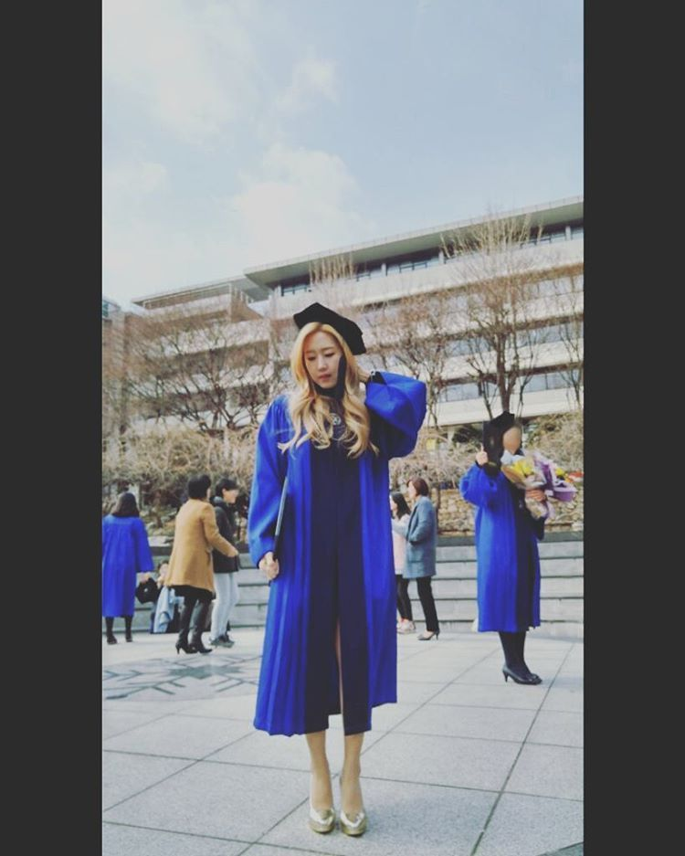 #Jinju IG : #졸업식 #graduation