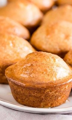 Beeville Honey Cakes | Imperial Sugar #honeycake