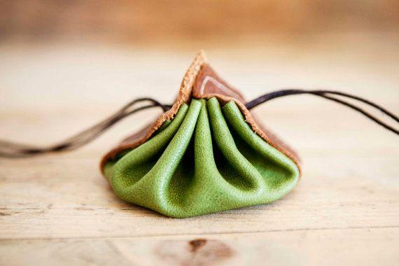 Borsa di cuoio medievale / / verde in pelle portafoglio di KURTIK