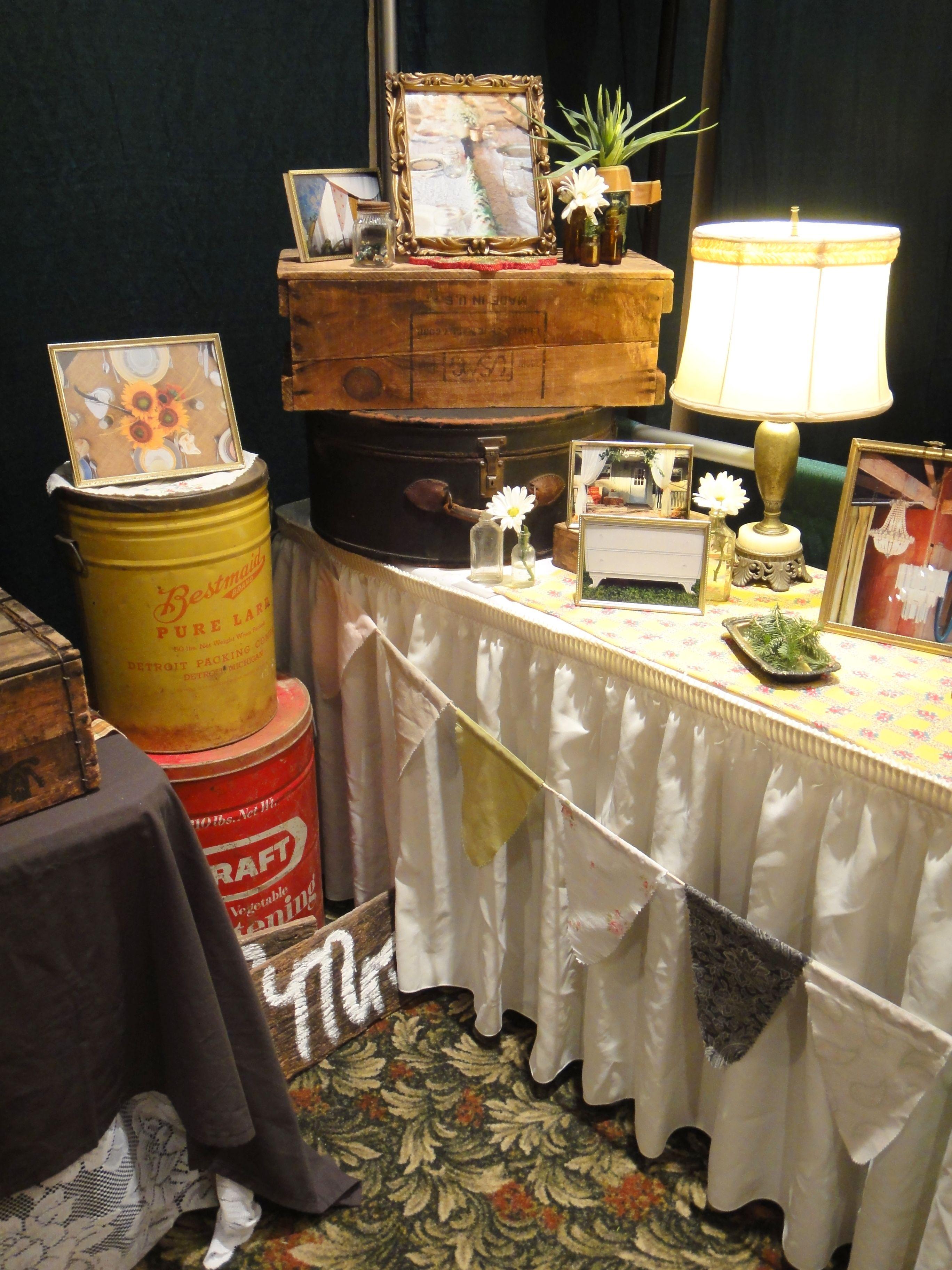 Vintage Wedding Reception Props Set Up