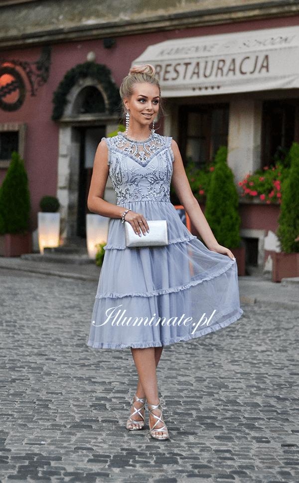 Pin En Illuminate Sukienki Tiulowe