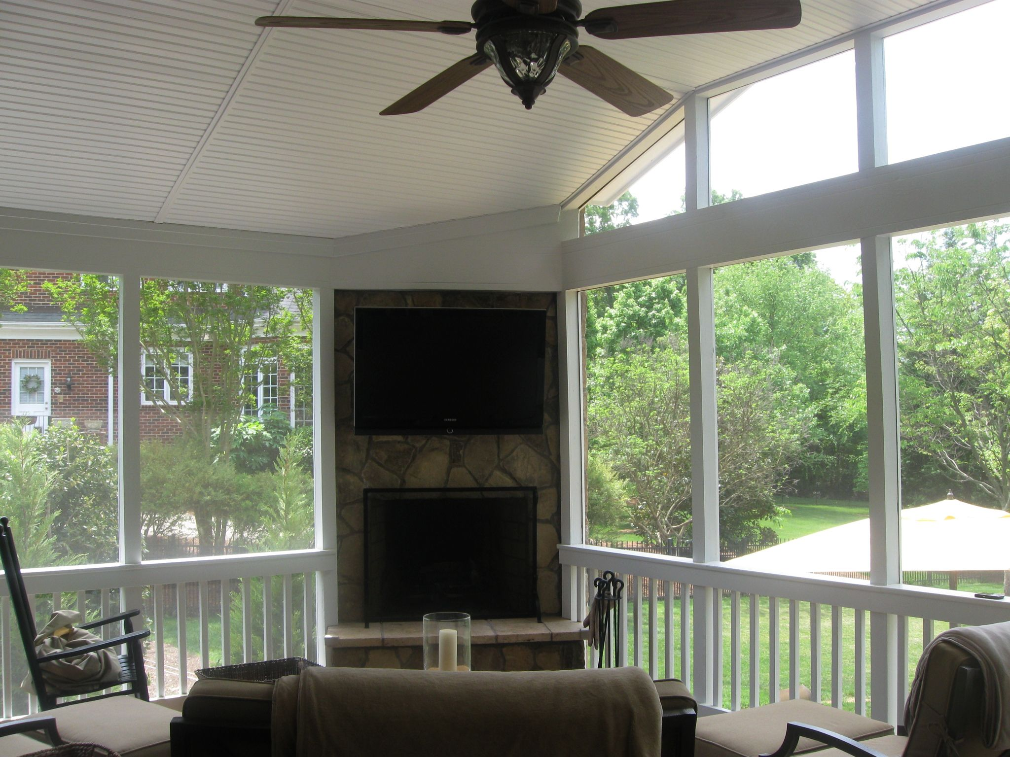 Ideas For Empty Backyard Space : Bright White Themed Empty Space Decorated Using Sun Porches Ideas That