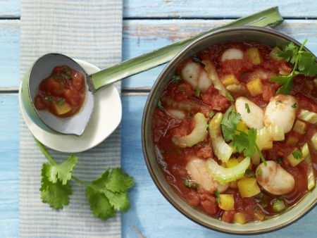 Gutes Essen hält Leib und Seele zusammen! Wärmen Sie sich bei schlechtem Wetter mit den Low Carb Eintopf-Rezepten und unterstüzen Sie dabei Ihre Low Carb-Diät!