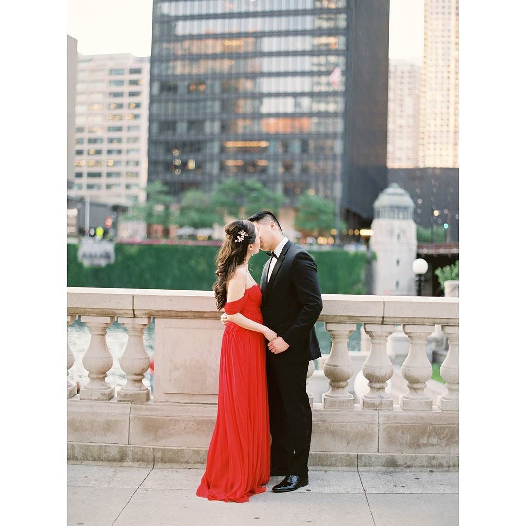 This is LOVE! #weddingphotography @kylejohnphoto  see more of this #citywedding at @trumpchicago on #weddingchicks right now via @angela4design