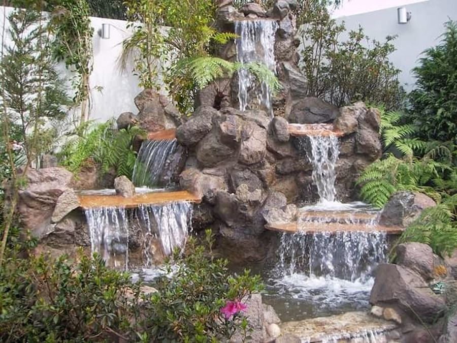 Dise o green paradise soluci n verdes cascada de piedra for Cascada artificial en pared