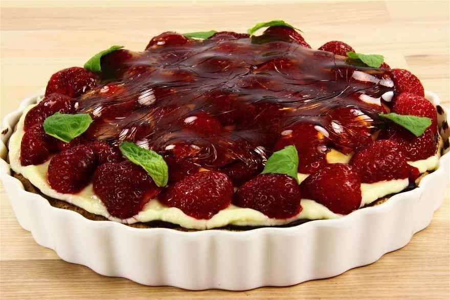 Alletiders Kogebog Kageopskrifter jordbærtærte med nøddebund og creme | opskrift i 2019 | kager