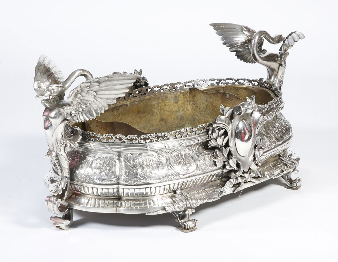 EXCEPTIONAL ANTIQUE JARDINIERE- CENTERPIECE IN STERLING SILVER - MARK MINERVE - 19TH CENTURY - FRENCH Weight : more than 10 kilogrammes