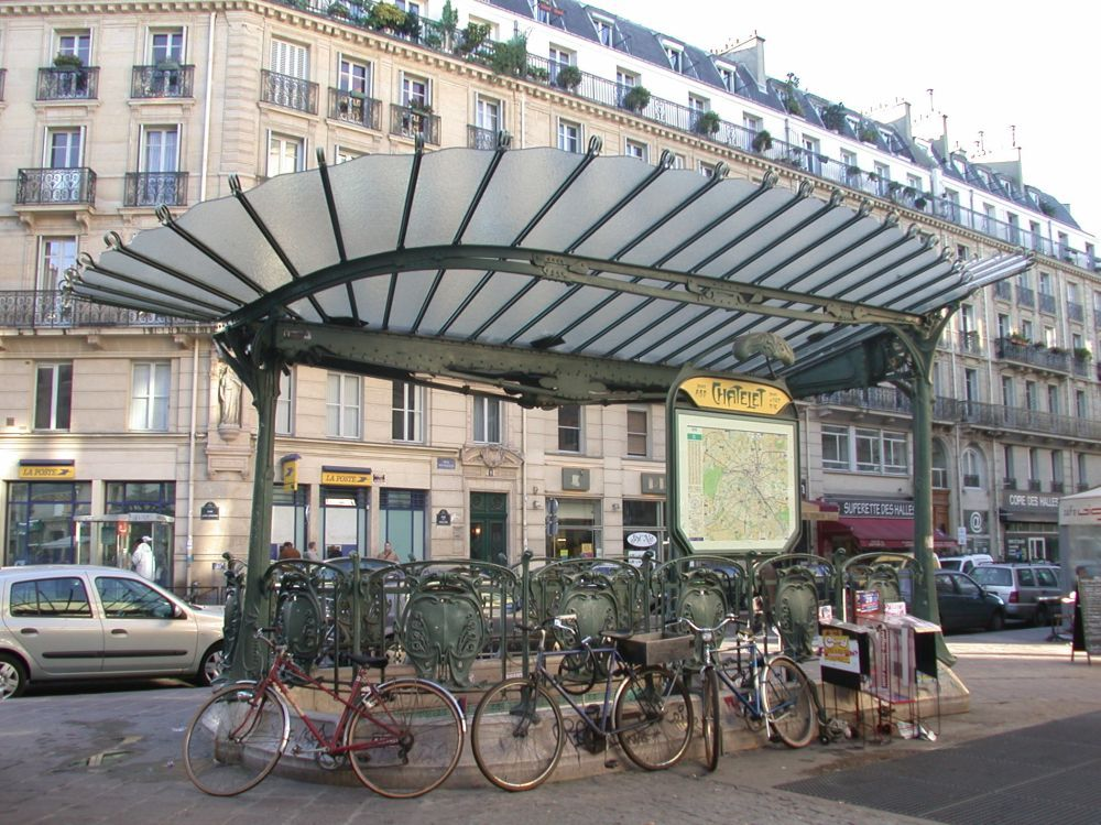 Edicule Guimard de la station Châtelet