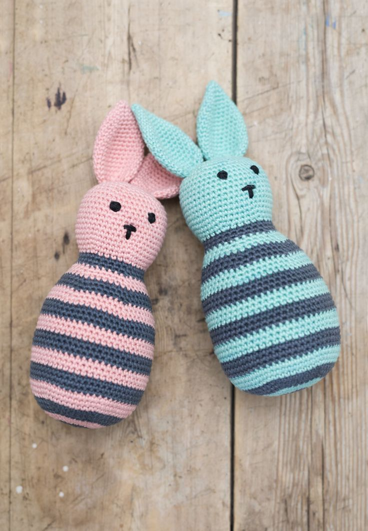 DIY - how to crochet graceful, striped rabbits with video tutorial and free crochet pattern by by www.ojhæklerier.dk
