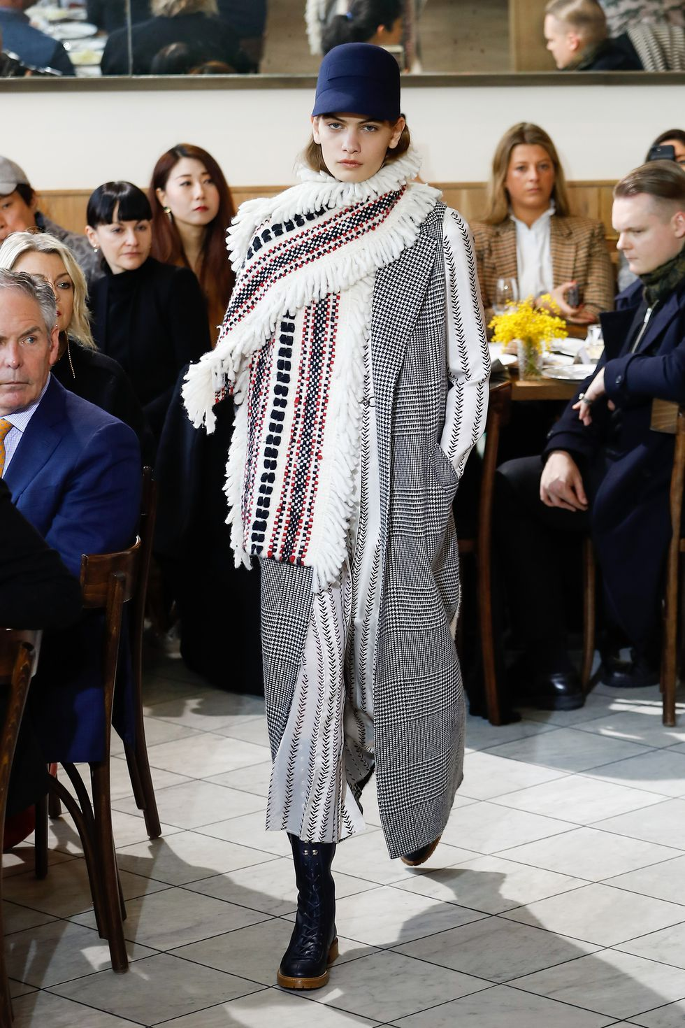 8 Major Street Style Trends From The Men's SS18 Fashion Weeks 8 Major Street Style Trends From The Men's SS18 Fashion Weeks new foto