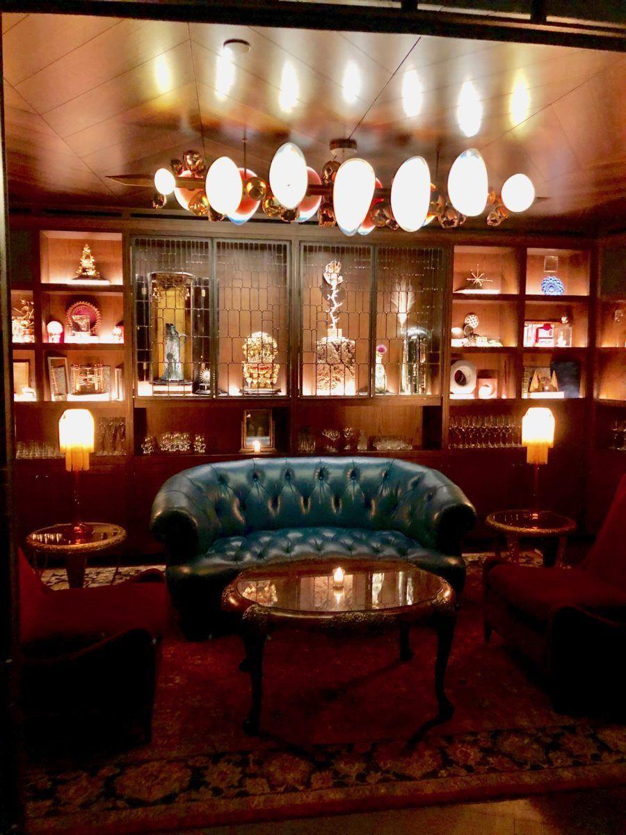 Deep Dive An Intriguing New Cocktail Bar In Seattle Cocktail Bar Urban Decor Seattle Restaurants
