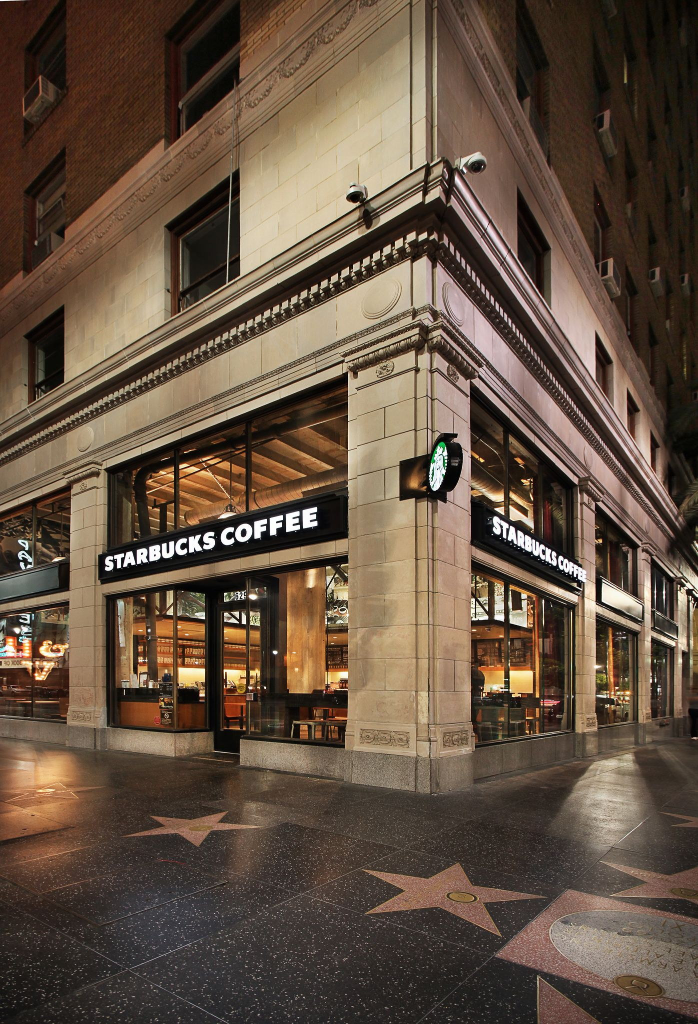 Los angeles high profile store created by the starbucks