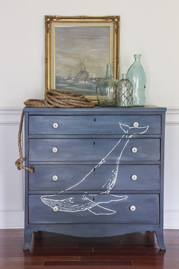 Nautical Elements Such As Anchors A Ship S Wheel Or Buoys Can Work In Any Style Of Beach Decor But Grouping Them Together Give Very Distinct Feel