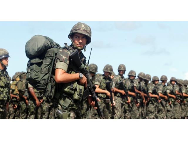 Exército pede para o povo brasileiro e as rua clamar por intervenção militar.