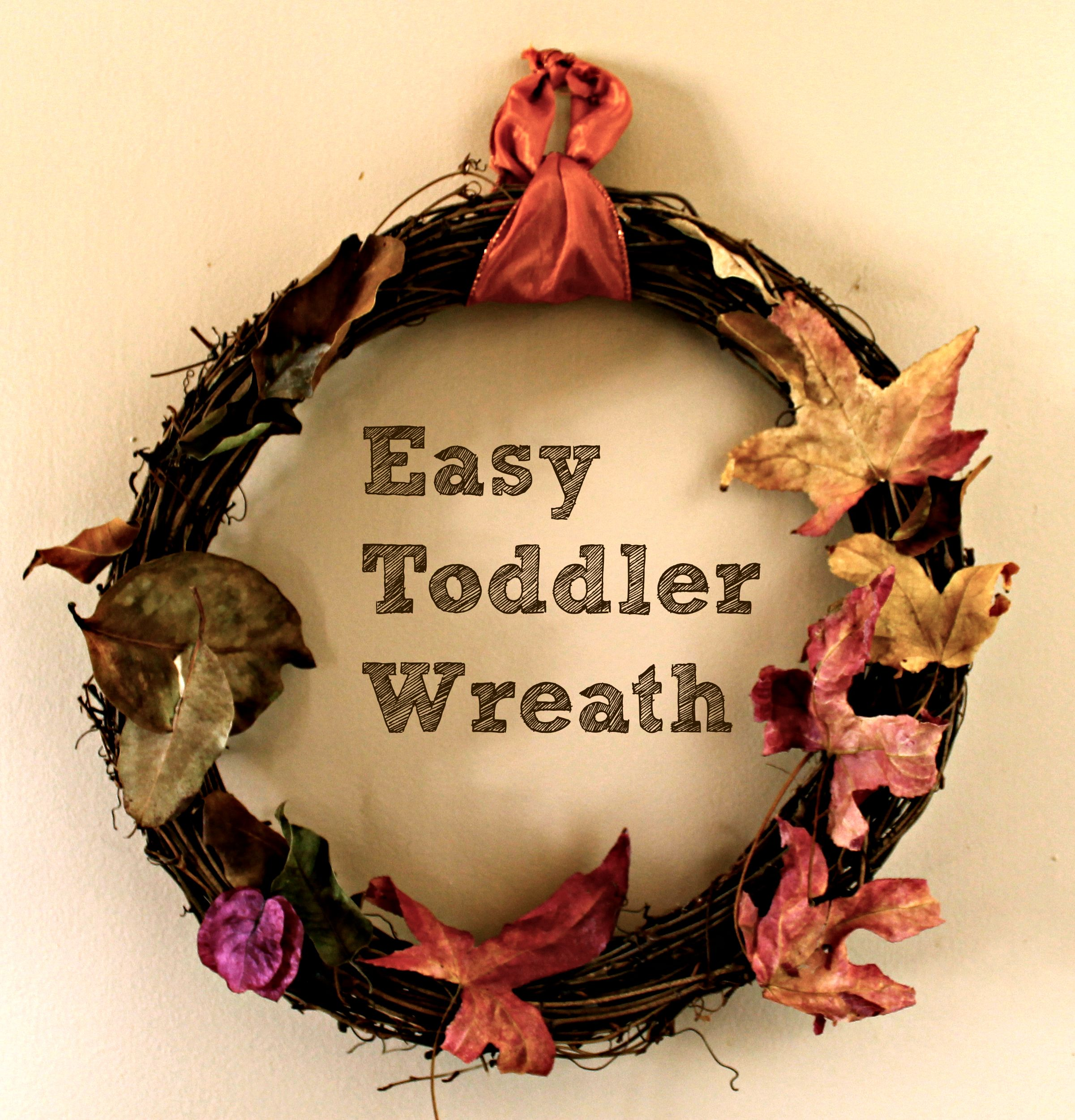 Easy Toddler Wreath: an easily attainable kid craft!