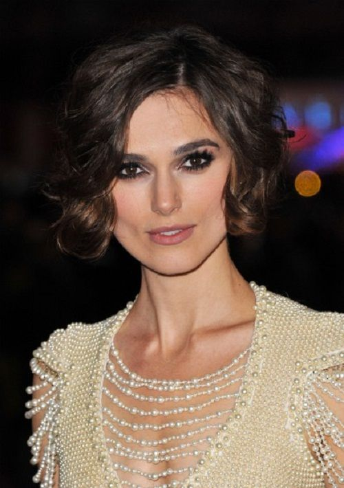 Keira Knightley I Short Hair Perfect Makeup Elegant Holiday Look