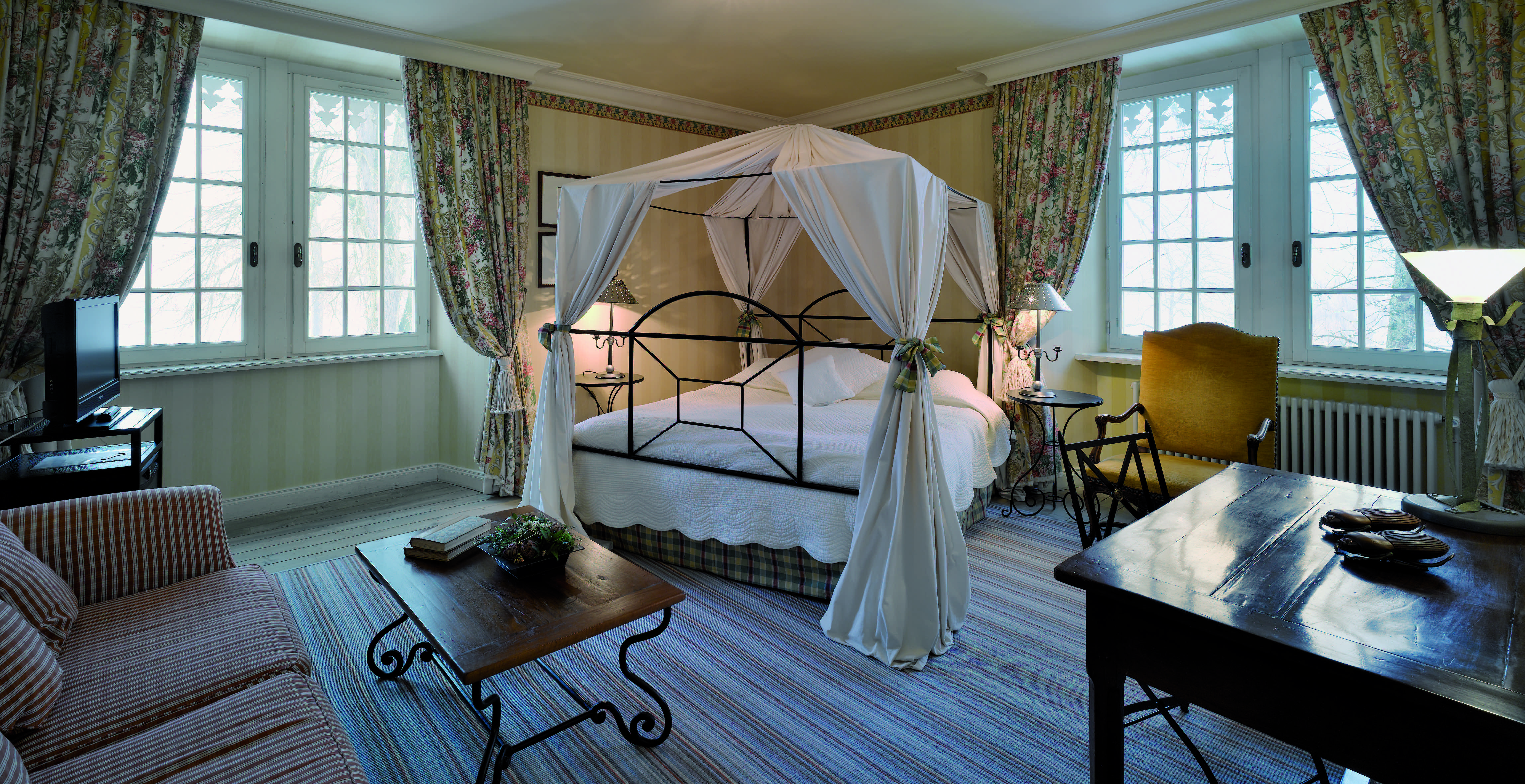 Chambre De Luxe Situee Au 1er Etage Du Chateau Germigney Relaischateaux Jura Home Decor Outdoor Furniture Outdoor Decor