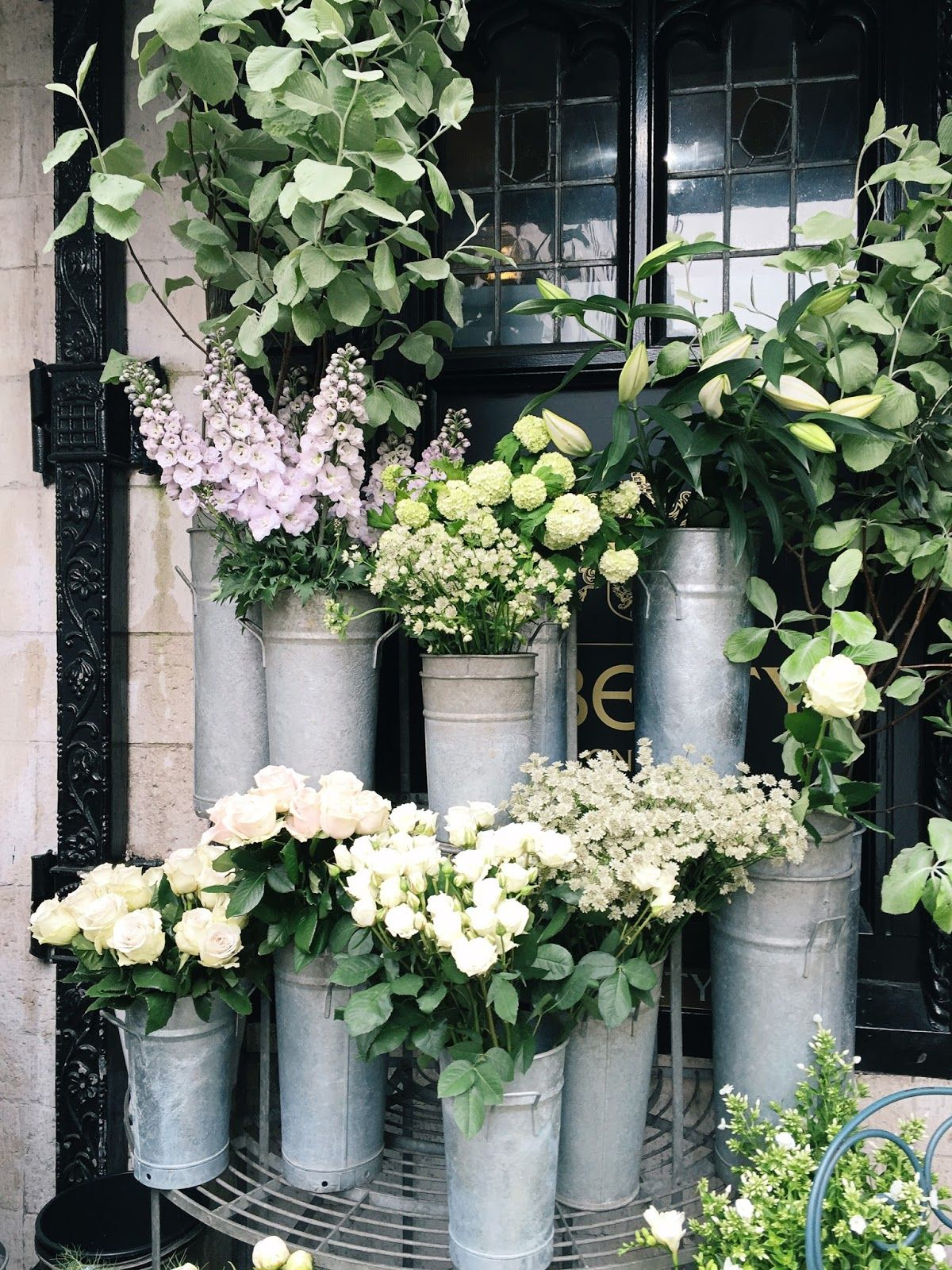 Hello everyone! It is written in stone for me, that if I visit central London, I go to admire the flowers outside Liberty. I know this is a sight that…