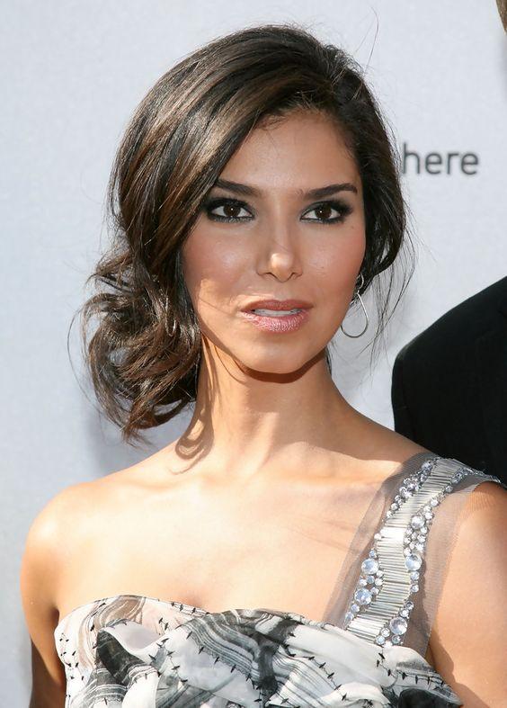 Roselyn Sanchez Loose Bun Peinados Wedding Hairstyles Hair