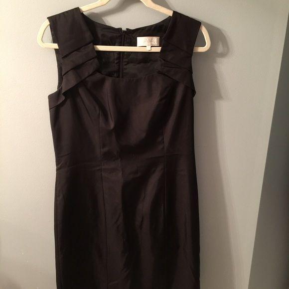 Badgley Mischka dress Black badgley mischeka dress. Size 8. Never worn! Badgley Mischka Dresses