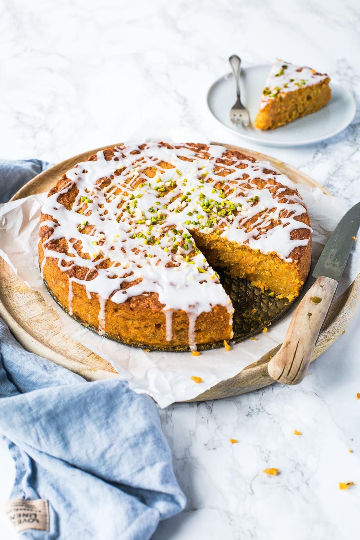 Veganer Karottenkuchen Thermomix Der Saftigste Und Leckerste Kuchen In 2020 Karottenkuchen Vegan Karotten Kuchen Karottenkuchen Thermomix