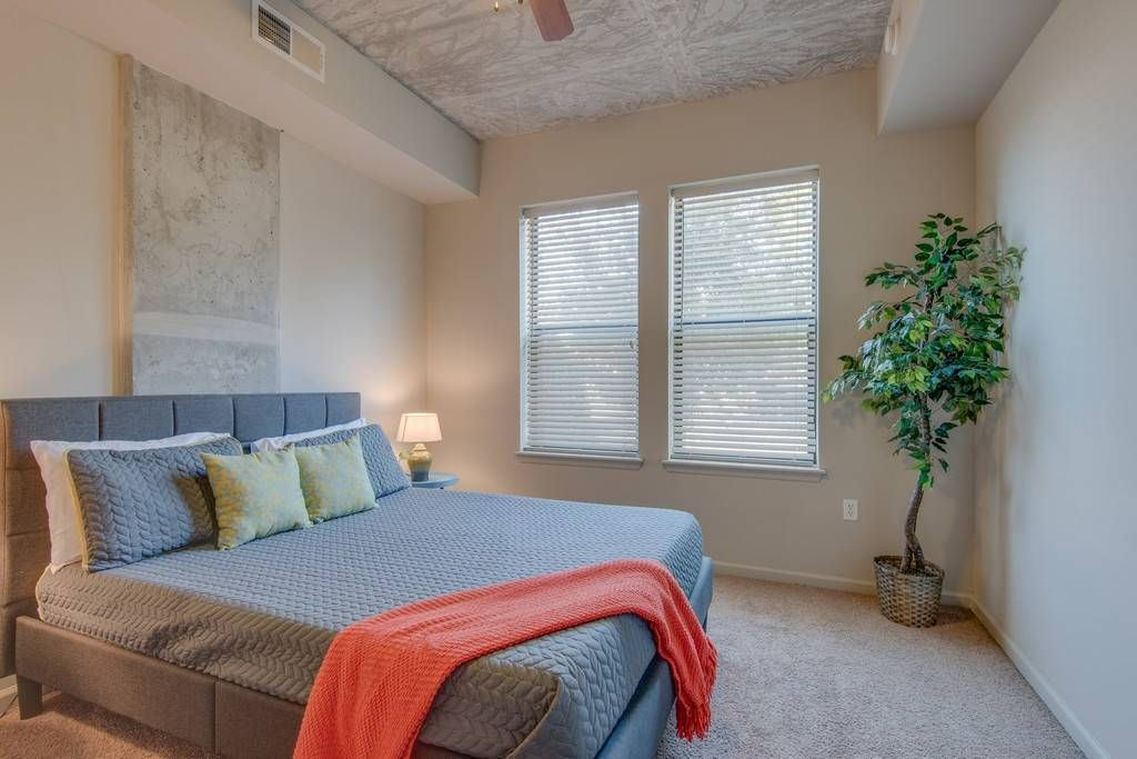 Live Like a Local! Midtown 2BR Luxury. - Apartments for ...