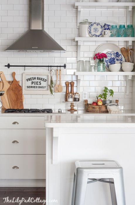 15 Amazing White Modern Farmhouse Kitchens White Kitchen Decor