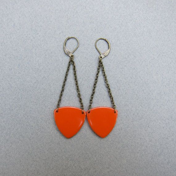 Vintage Bakelite Pennant Earrings, $24 on petitoiseau.etsy.com