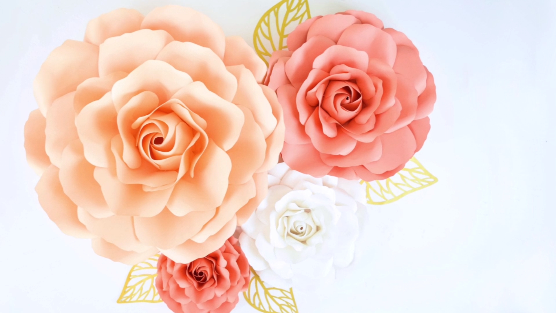 DIY Giant Paper Roses #paperflowerswedding