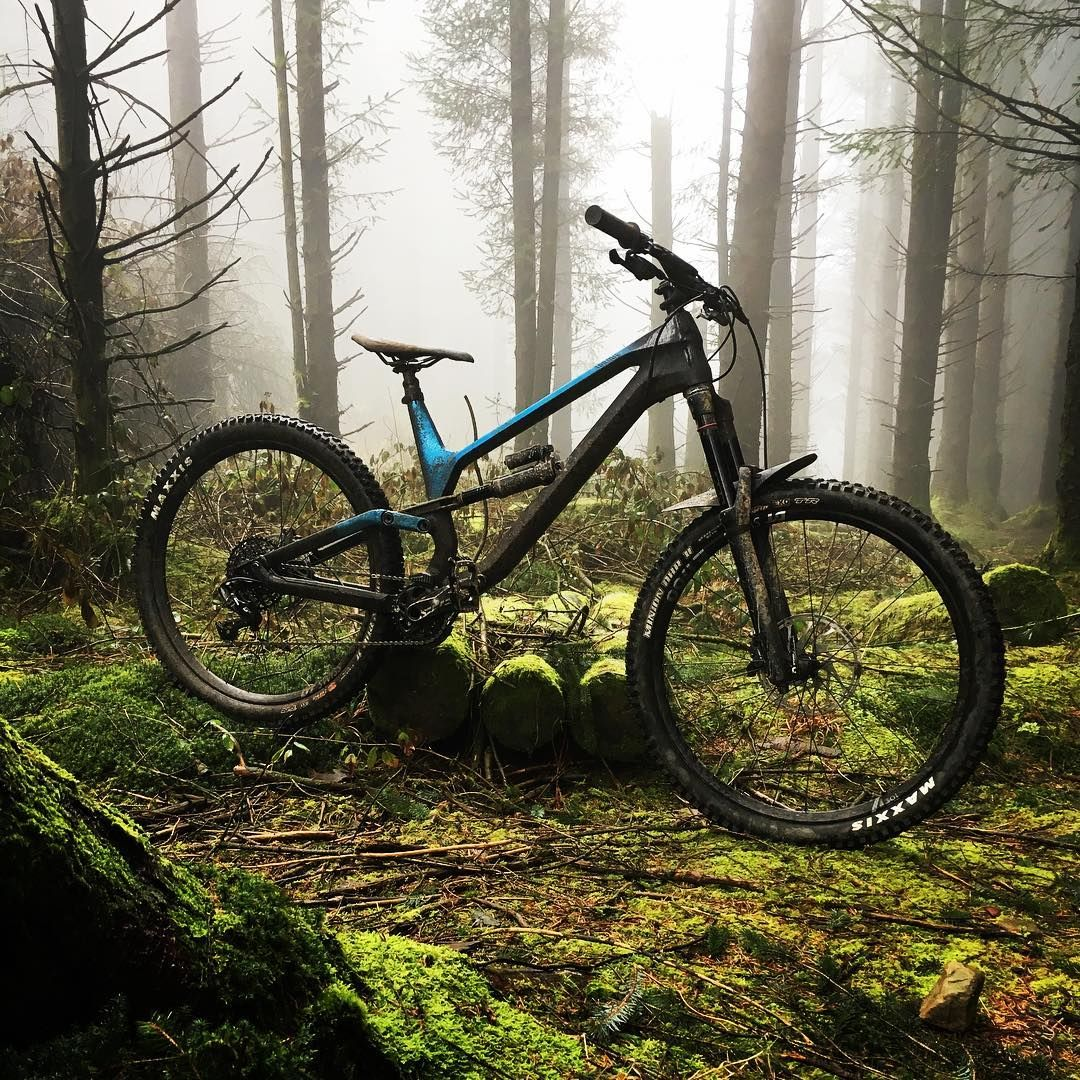 598 Me Gusta 5 Comentarios Mountain Bike Rider Magazine Mbrmagazine En Instagram Moody Shot Of The Canyo Bike Rider Mountain Biking Biking In The Rain