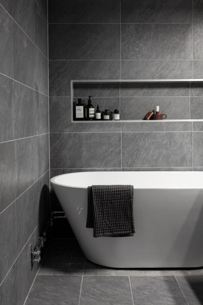 59 salles de bain chic qui vous montrent le beauté du carrelage gris - photo faience salle de bain