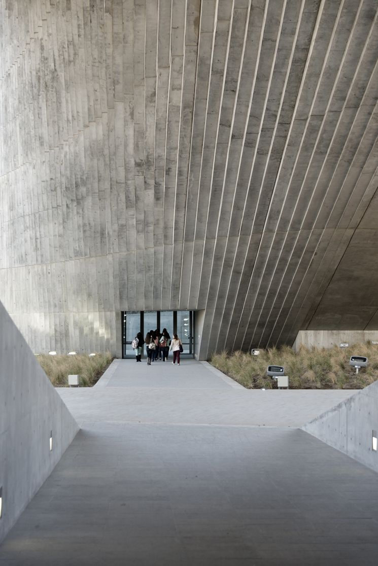Centro Roberto Garza Sada of Art, Architecture and Design, Monterrey, Mexico designed by Tadao Ando