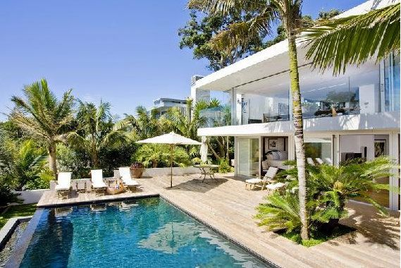 wow...living at the beach...
