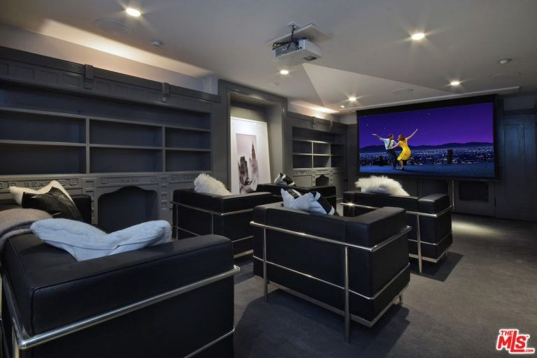 90 home theater media room ideas photos movie room home theater decor home theater. Black Bedroom Furniture Sets. Home Design Ideas