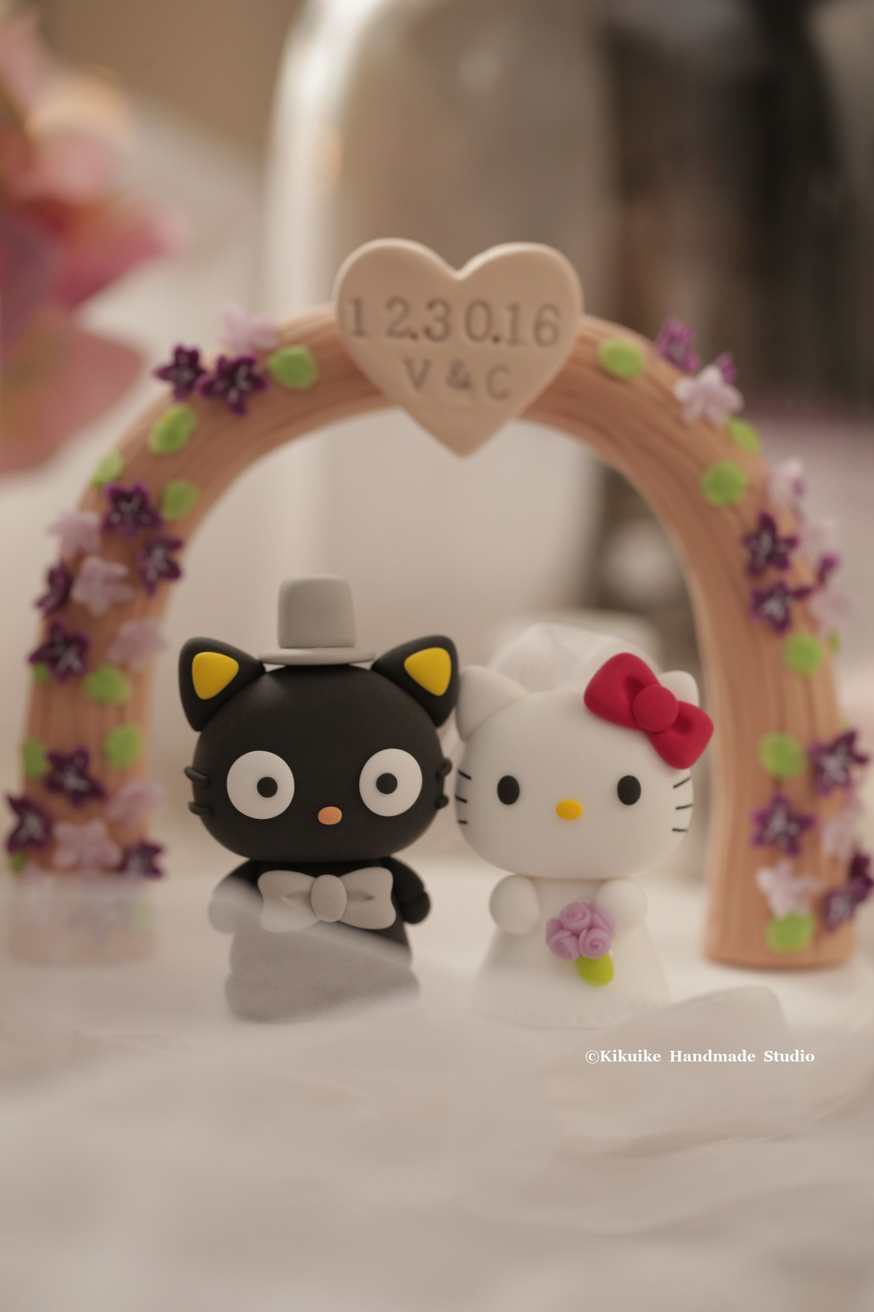 Hello Kitty Choco Cat Bride And Groom With Flowers Arch Custom Wedding Cake Topper
