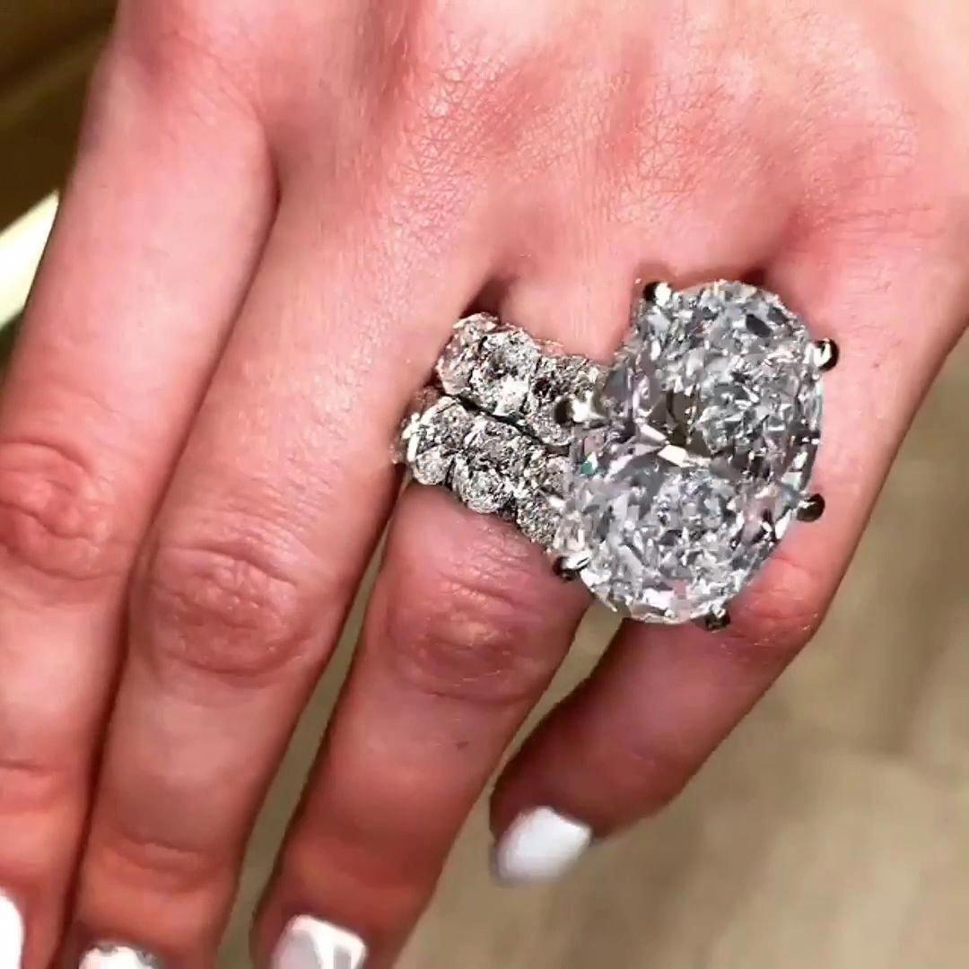 gaudyengagementrings in 2020 Beautiful wedding rings