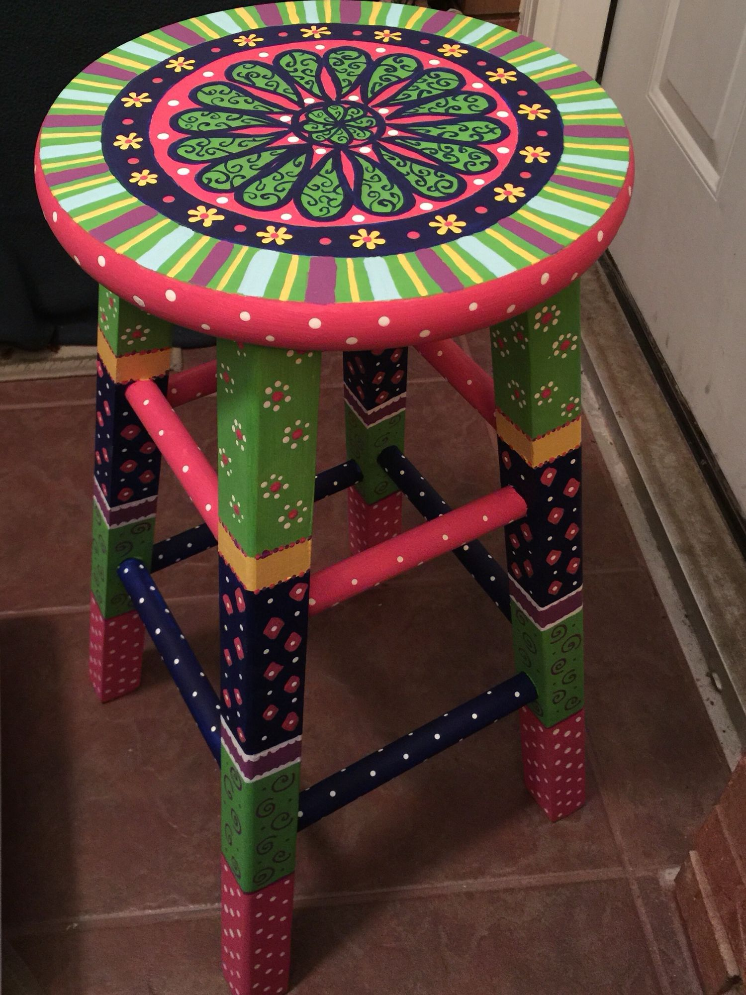 Tisch Restaurieren Diy Painted Stool Idd Interior Colorfully Painted