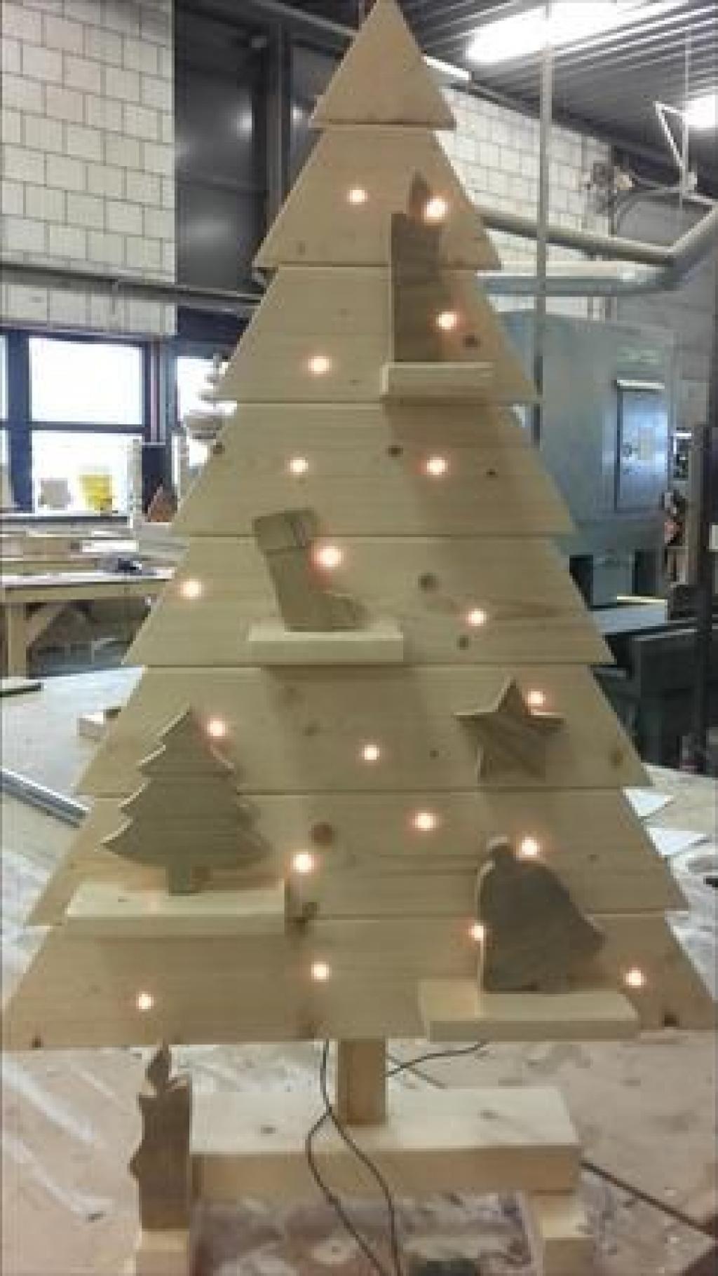 9 décorations de Noël à faire soi-même à l'aide de vieux ...